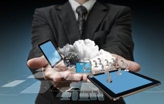 technology-in-the-hands-of-businessmen_z1HWO5SO.jpg